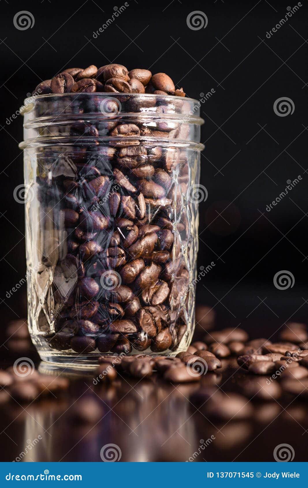 Vaso dei chicchi di caffè