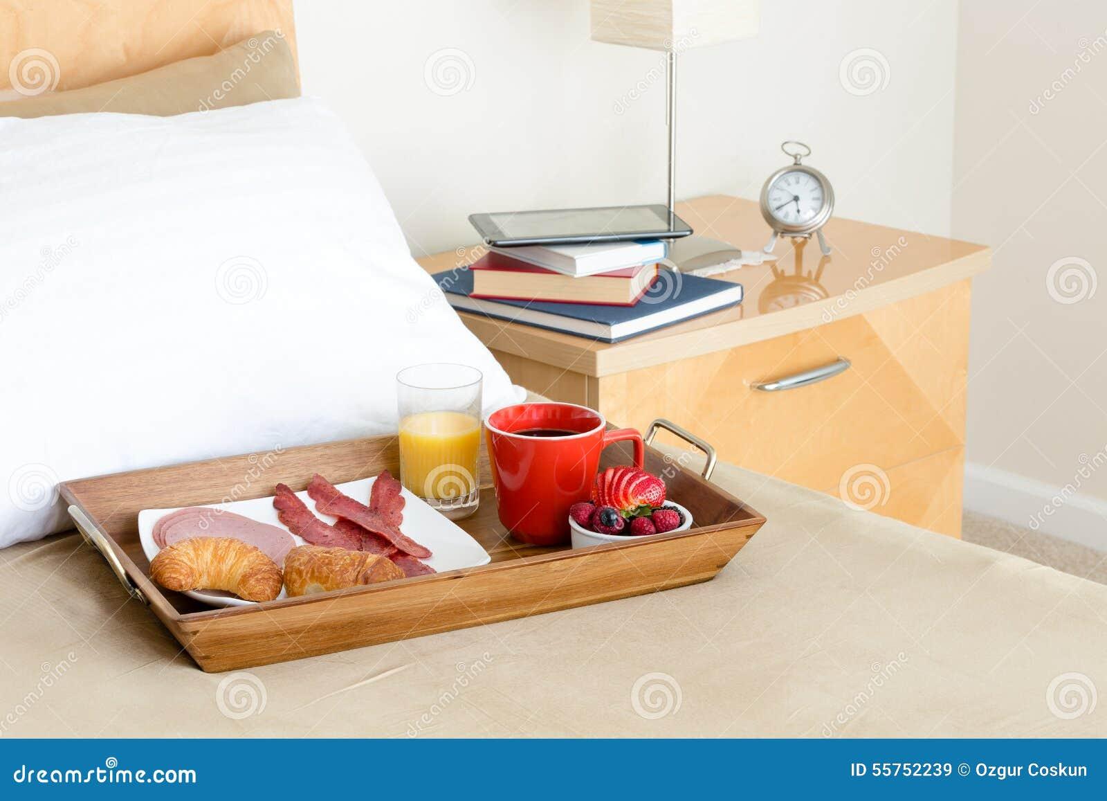 Vassoio colazione letto best tavolino vassoio per la - Colazione al letto ...