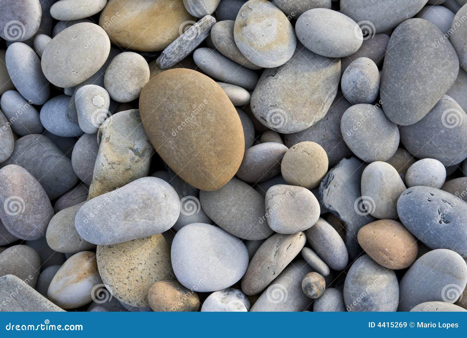 Vat achtergrond met ronde stenen samen stock afbeelding afbeelding 4415269 - Tuinuitleg met stenen ...