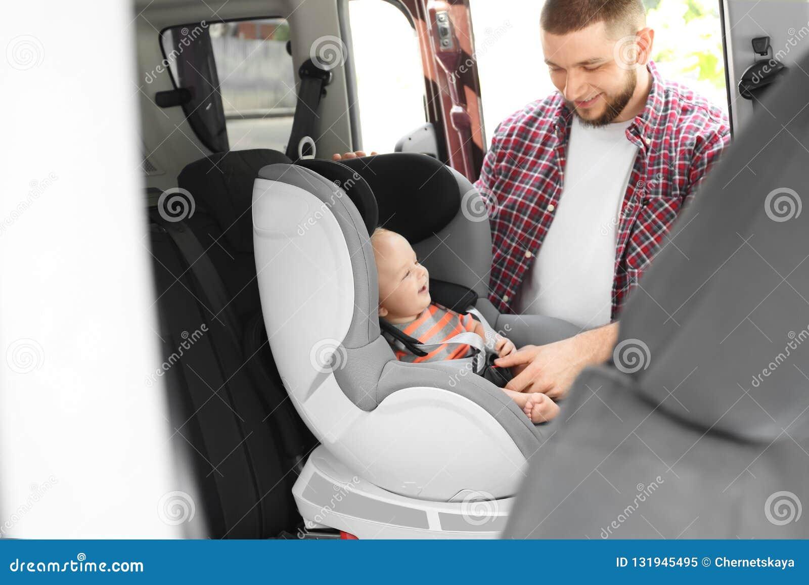 Vaterbefestigungsbaby zum Kindersitz nach innen