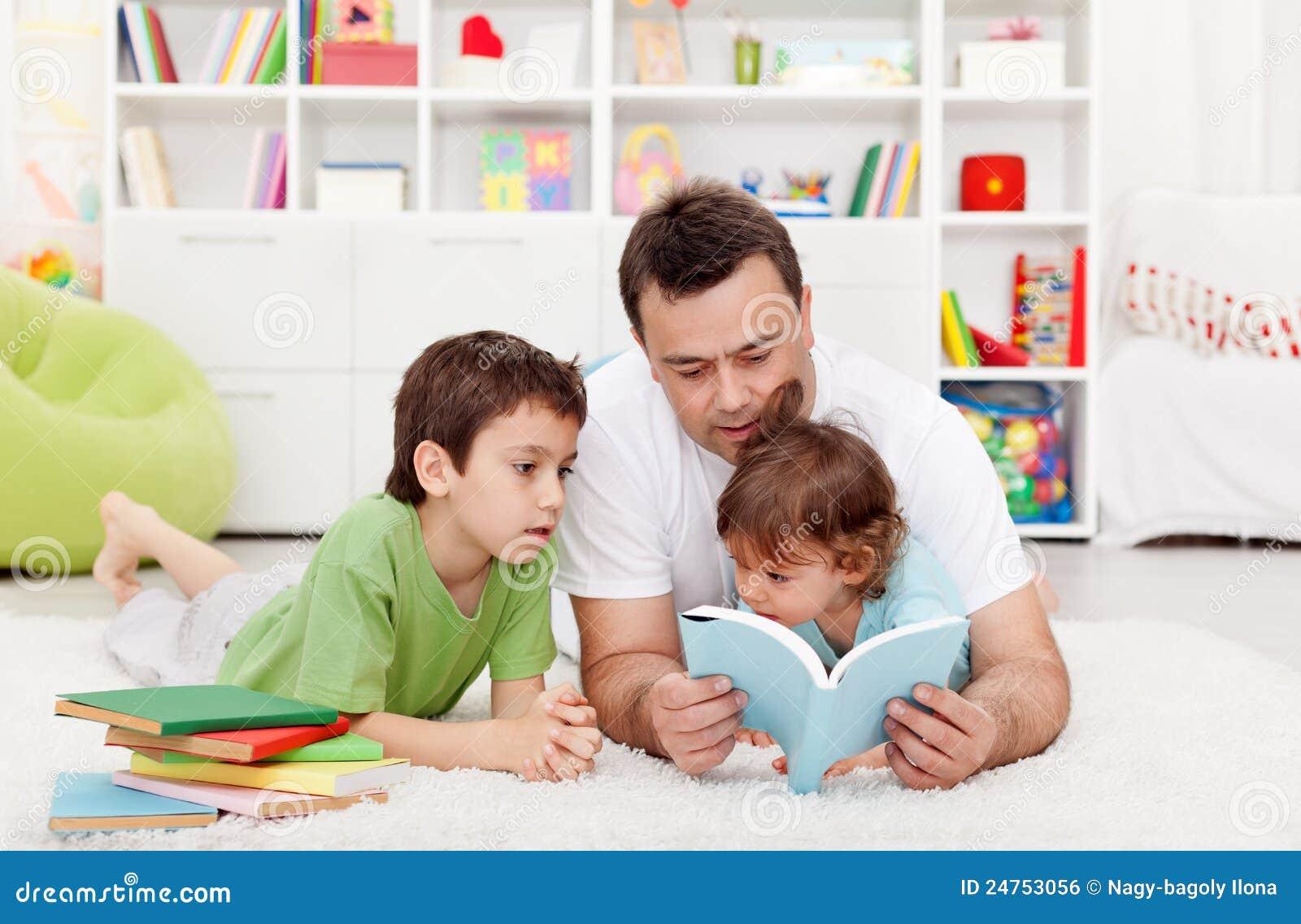 Vaterlesegeschichten zu seinen Jungen