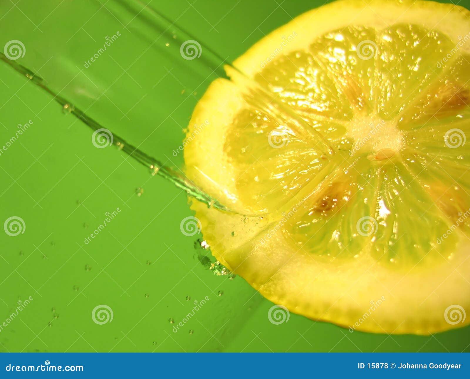 Vatten för 3 citron