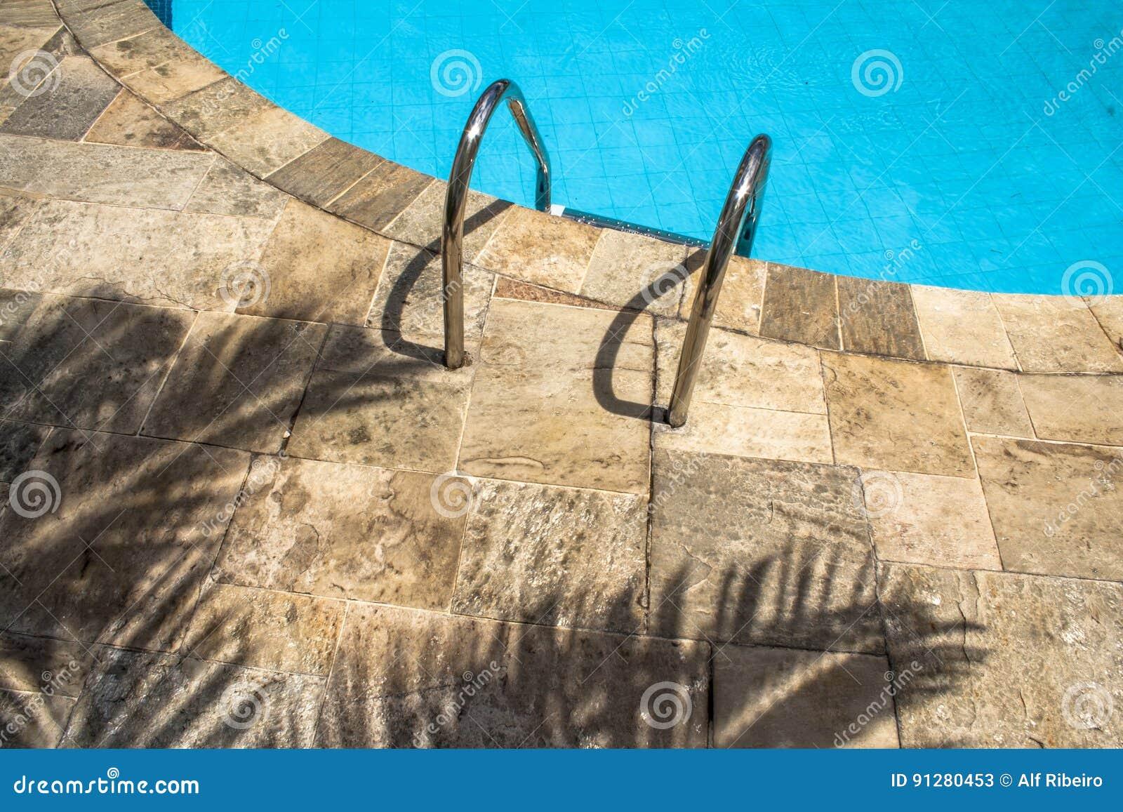Vatten för pölsimningparaplyer