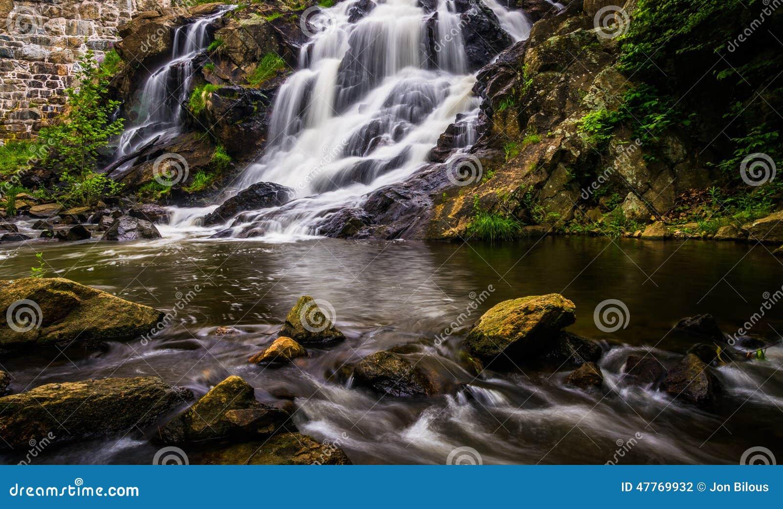Vattenfall och kaskader på Antietam Creek nära läsning, Pennsylva