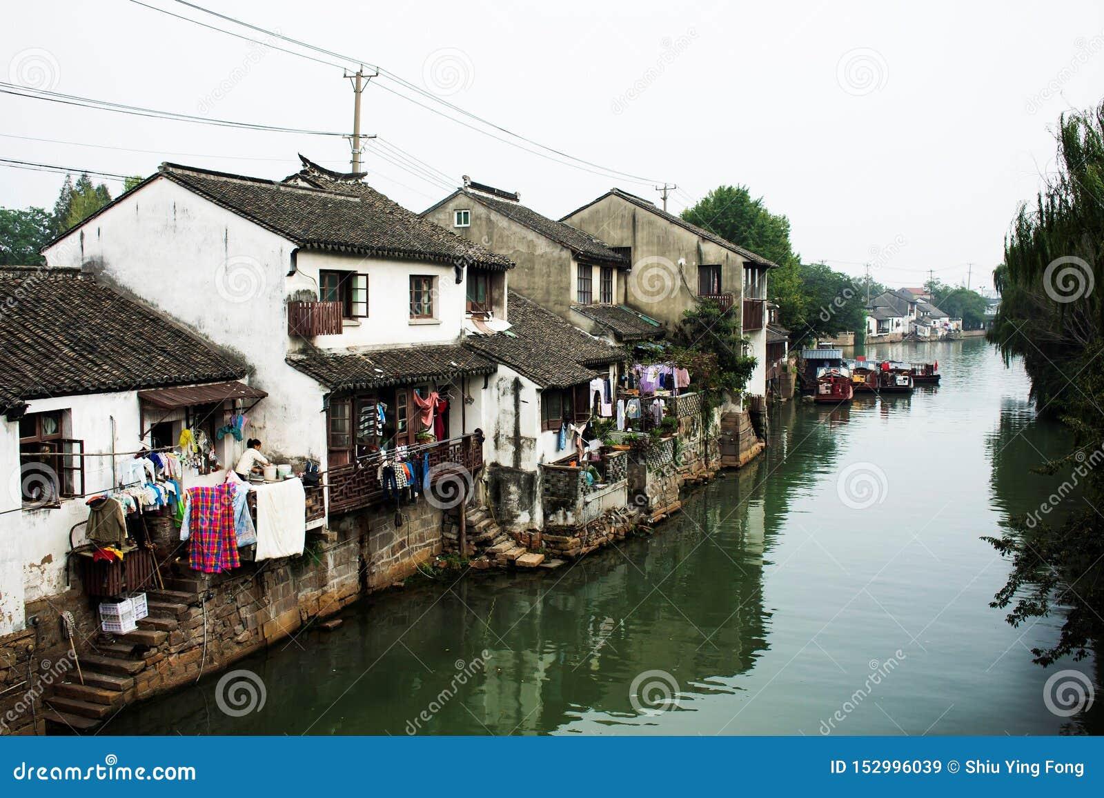 Vattenstad, Kina