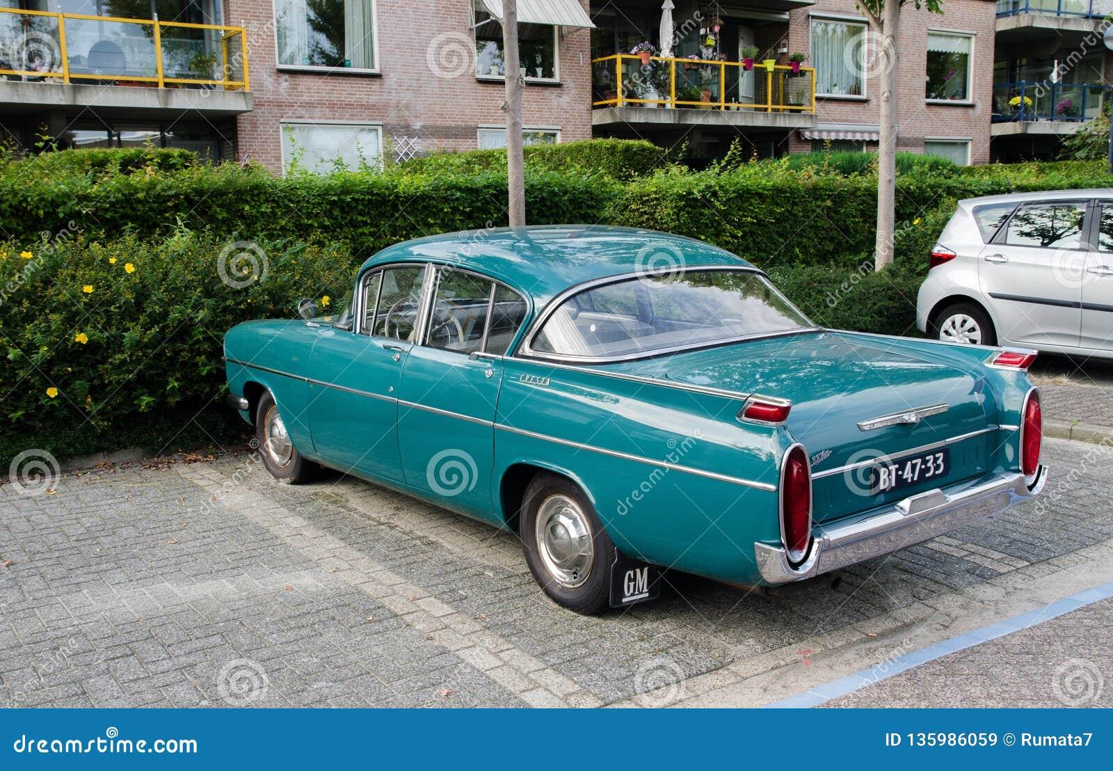 #pha.025697 Photo VAUXHALL CRESTA DELUXE SALOON 1971-1972 Car Auto