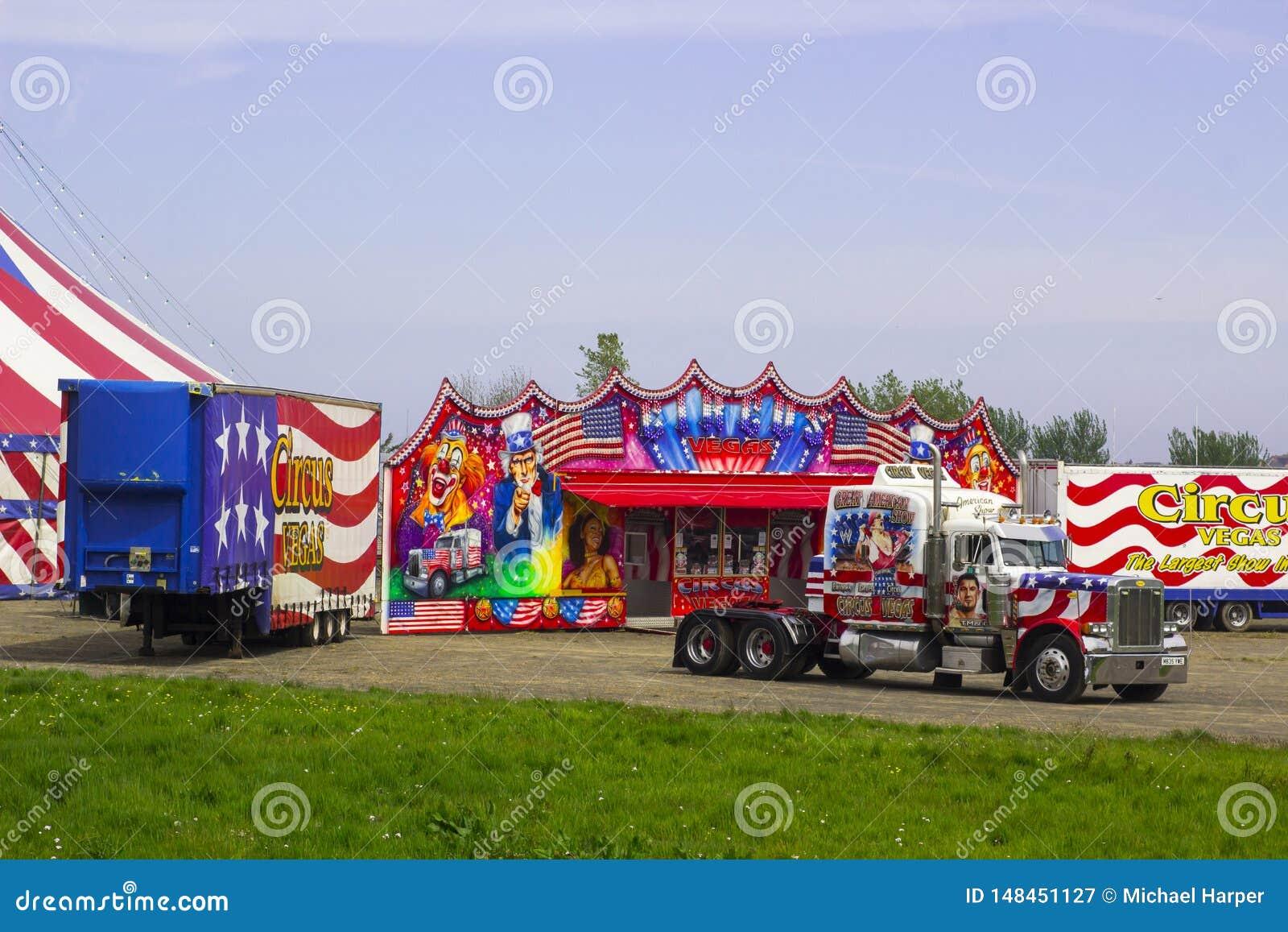 Veículos e reboques do circo americano de viagem na Irlanda