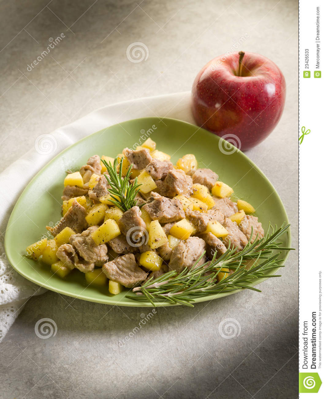 Veal stew with apple