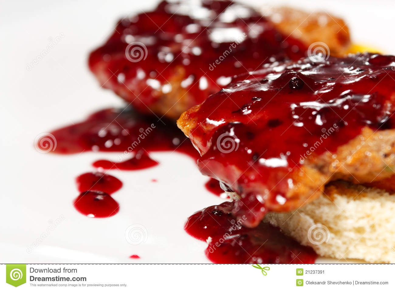 Veal under the currant sauce