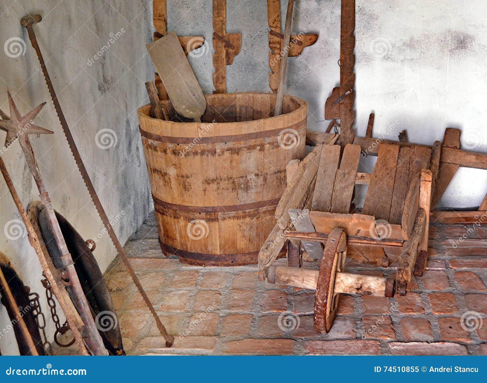 vecchi oggetti medievali immagine stock immagine di