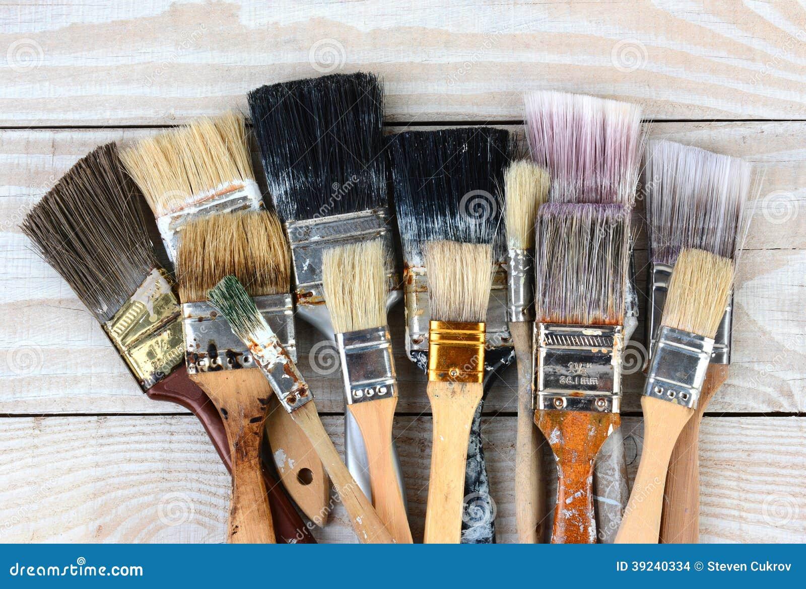 Vecchi pennelli usati fotografia stock immagine 39240334 for Oggetti usati gratis