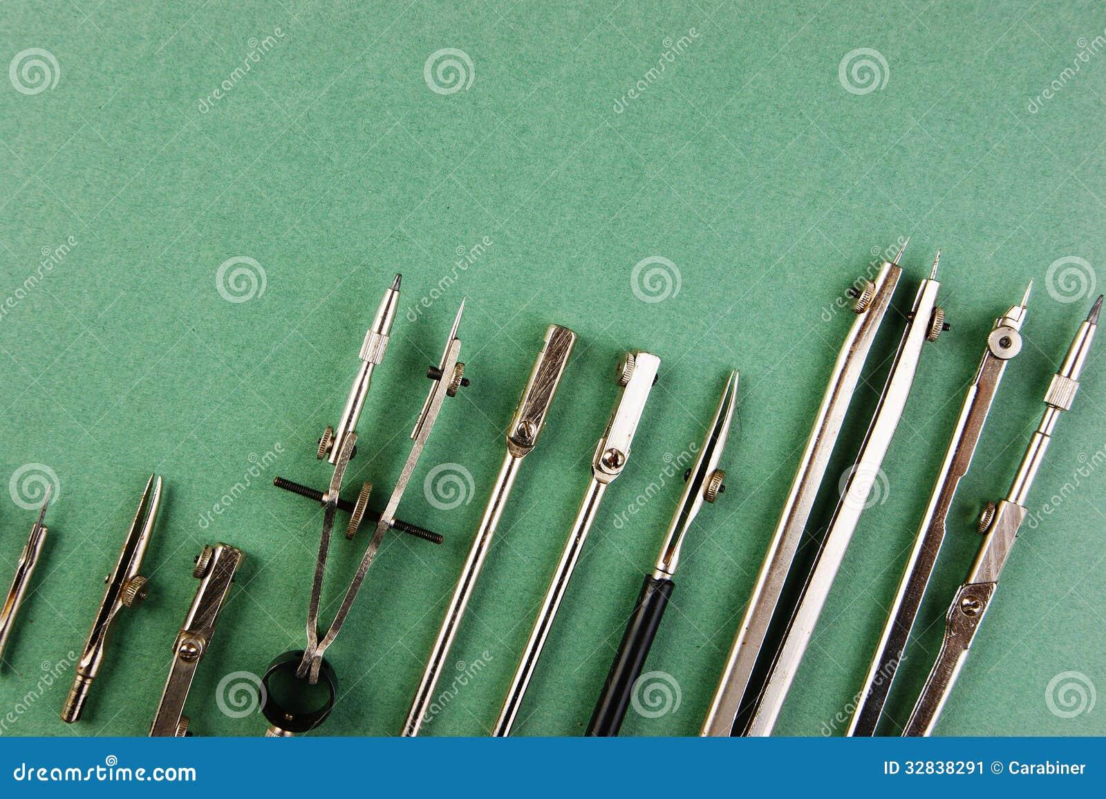 Vecchi strumenti di disegno