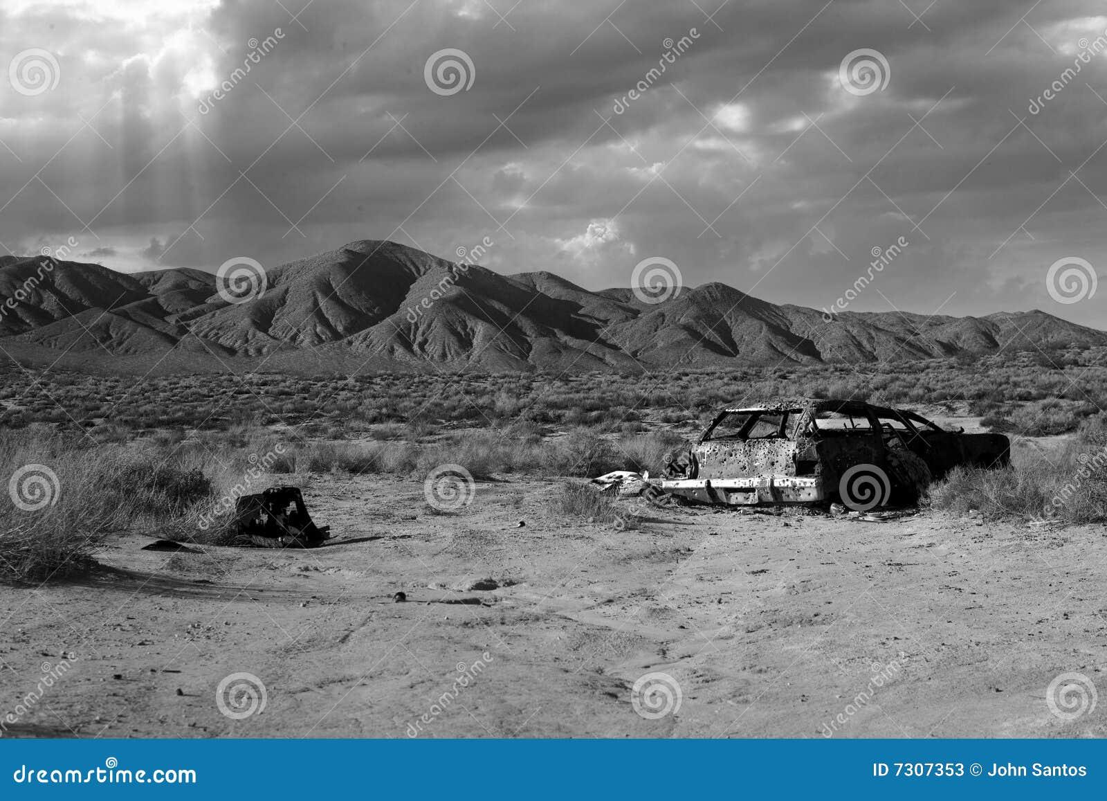 Vecchia automobile del deserto