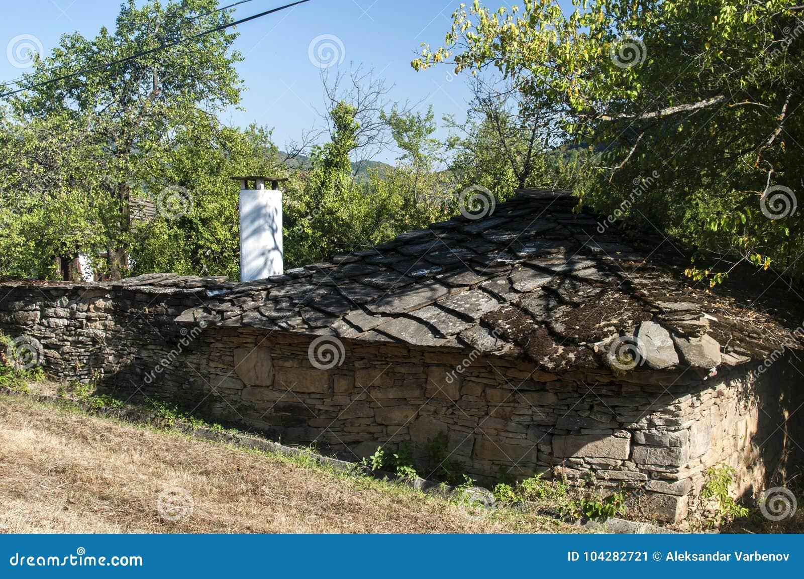 Case Di Campagna In Pietra : Vecchia casa di campagna di pietra immagine stock immagine di