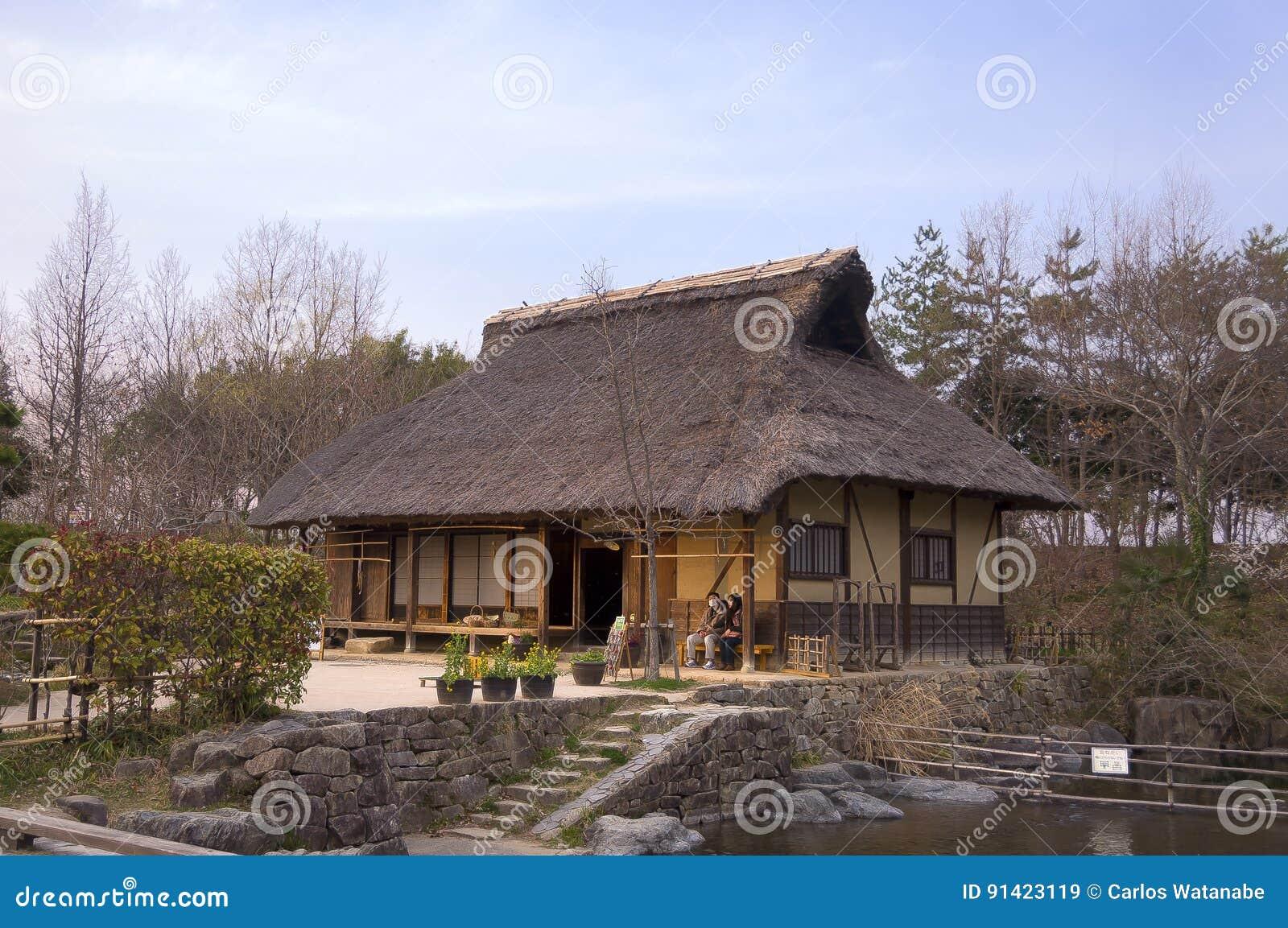 Vecchia casa giapponese immagine stock editoriale for Casa giapponese