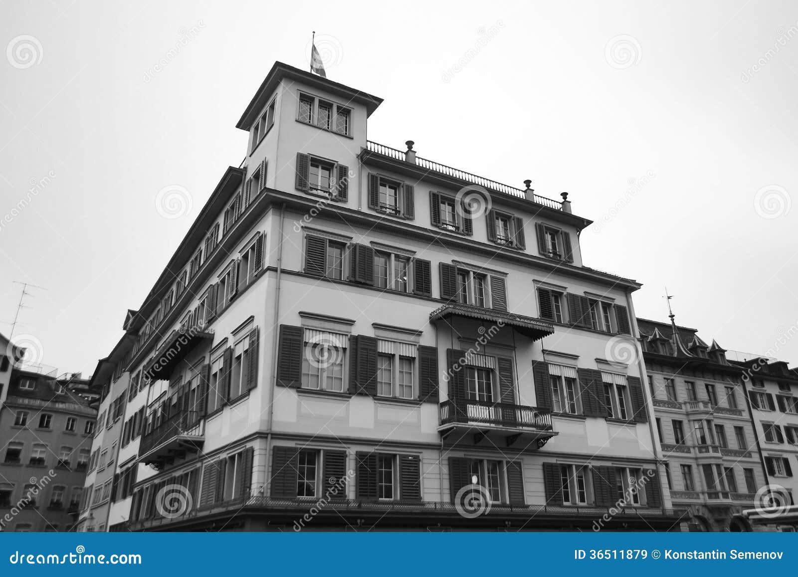 Vecchia casa nel centro di Zurigo