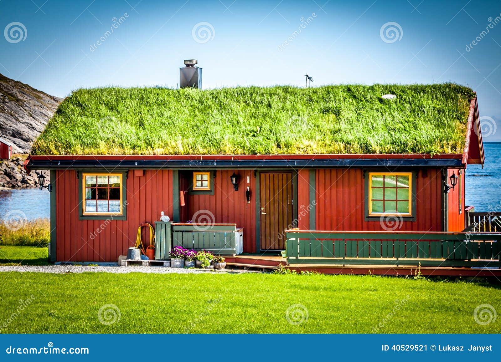 Vecchia casa tradizionale in norvegia fotografia stock for Casa tradizionale mogoro