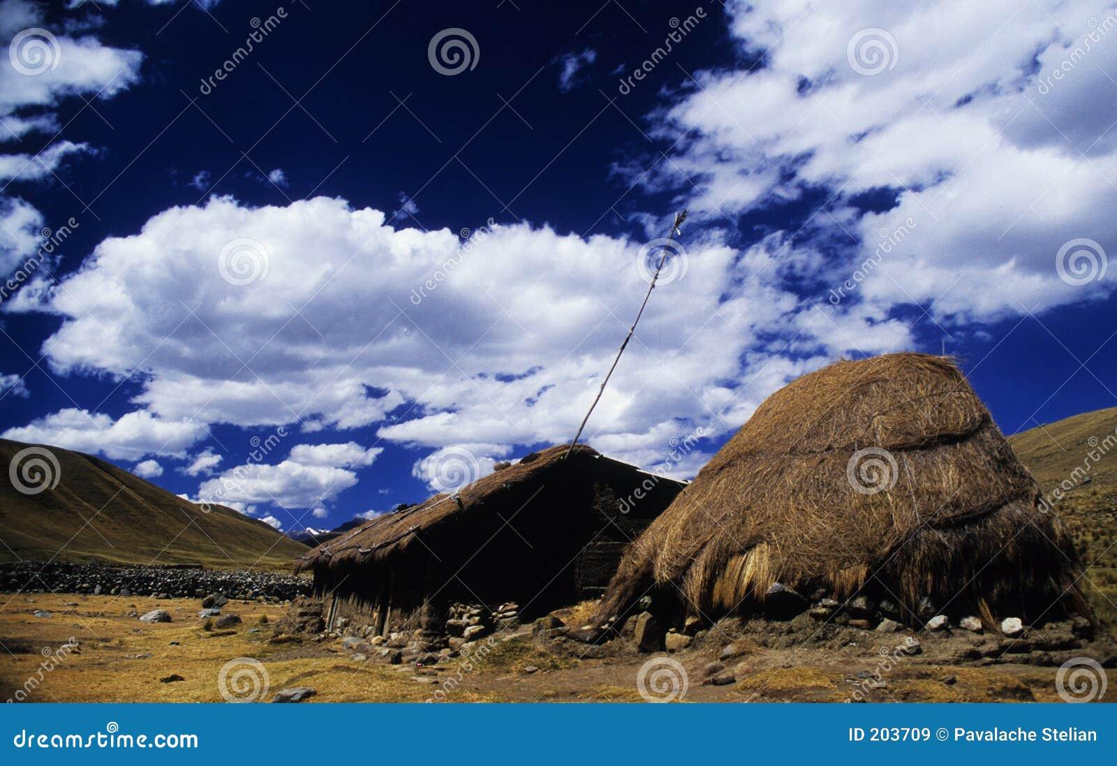 Vecchia casa vicino a Huaraz - il Perù