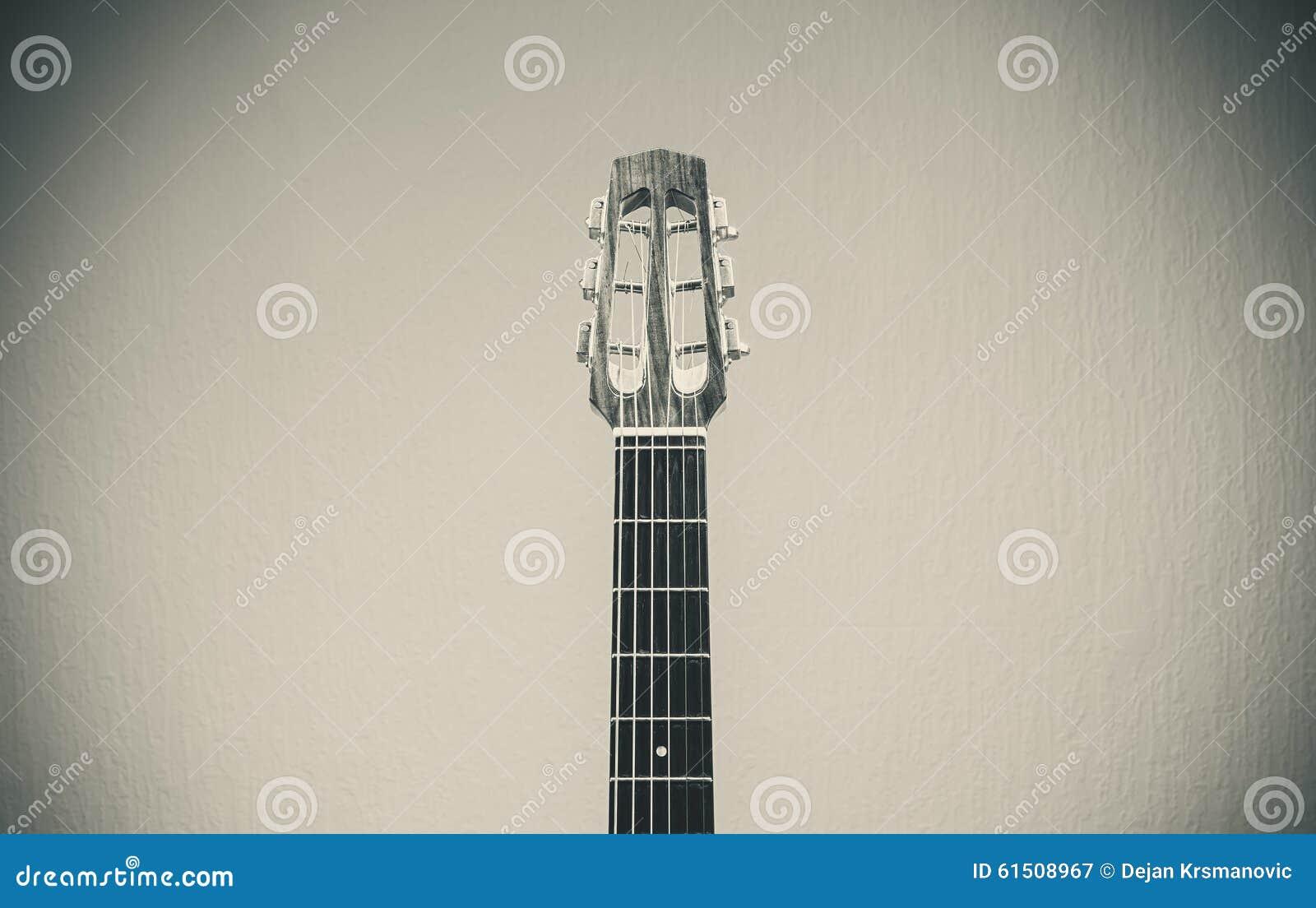 Vecchia chitarra zingaresca