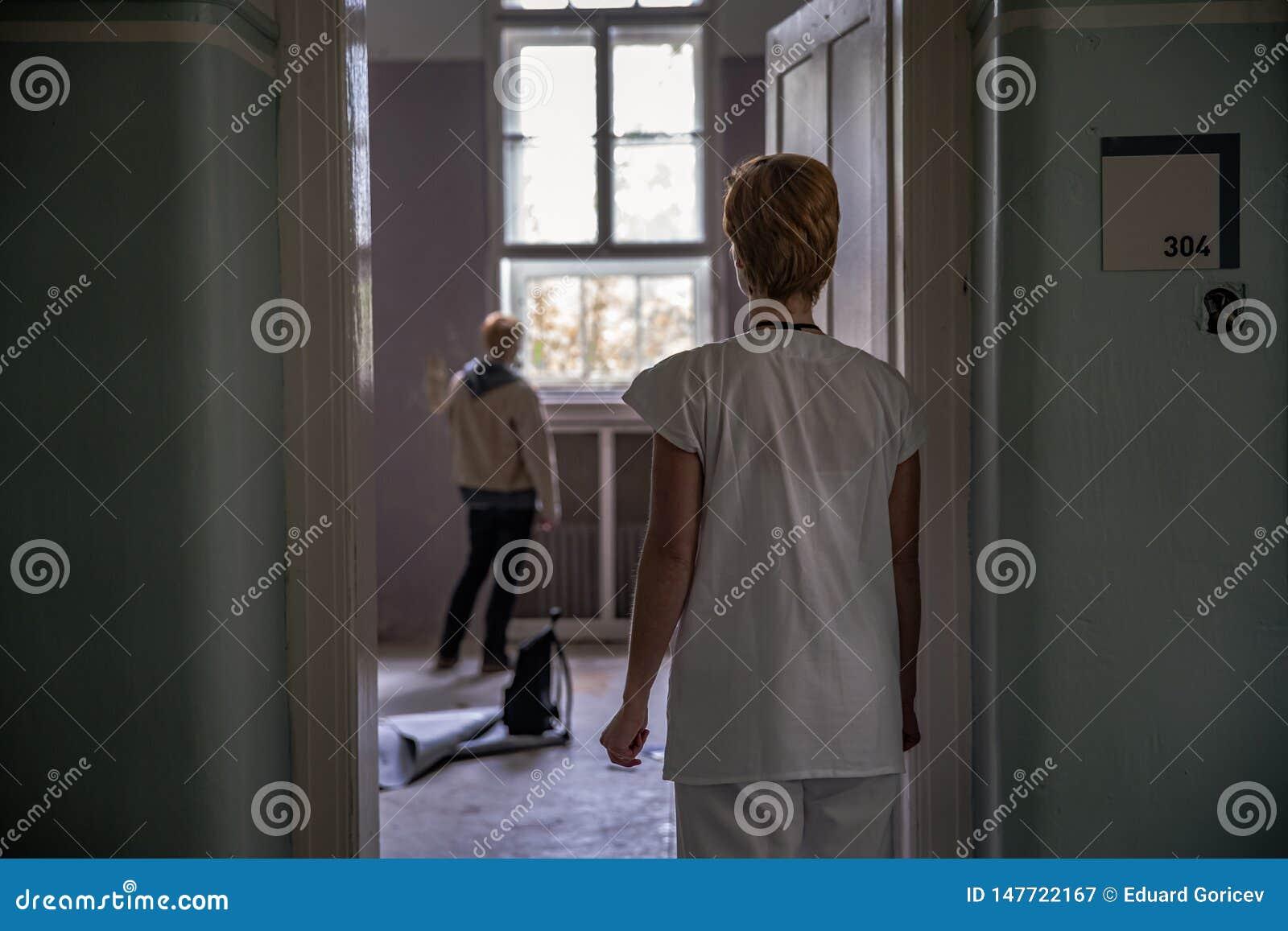 Vecchia clinica psichiatrica abbandonata per gli infermi di mente Fornaci ed aiuto al malato