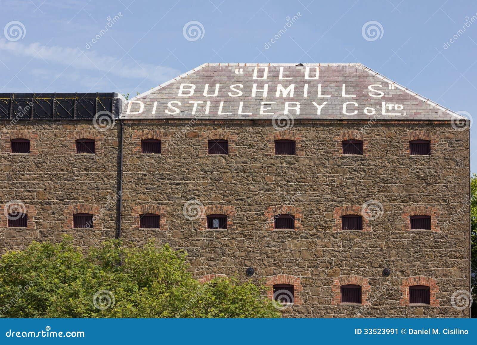 Vecchia fabbrica della distilleria di Bushmills. L Irlanda del Nord