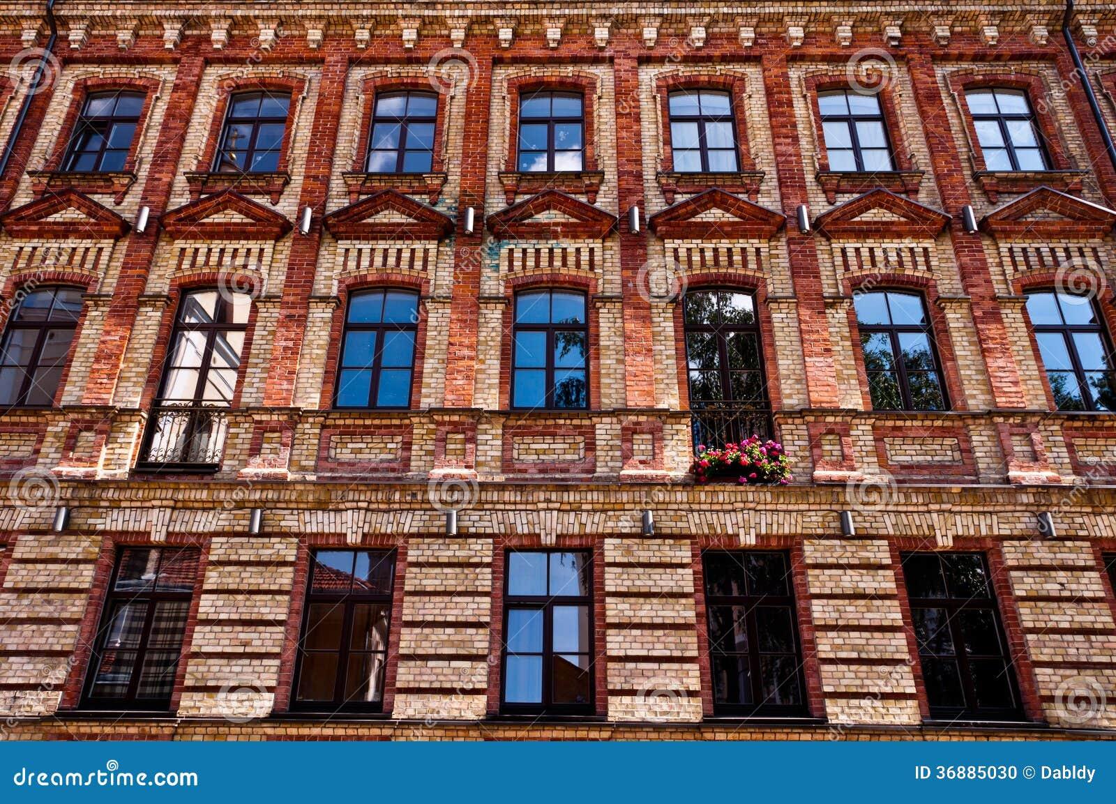 Download Vecchia Facciata Tradizionale Della Costruzione Di Architettura Fotografia Stock - Immagine di nessuno, urbano: 36885030