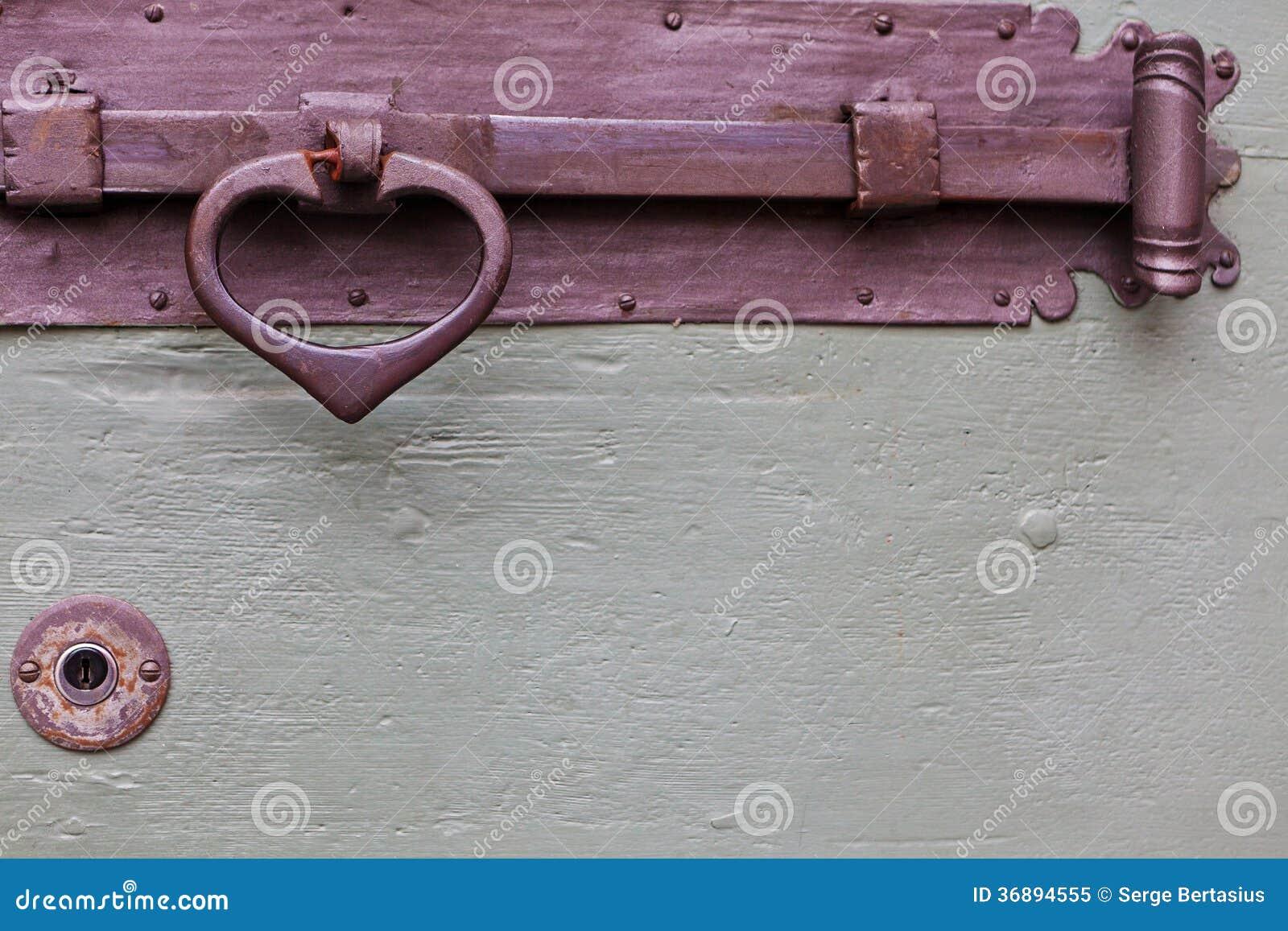 Download Vecchia Maniglia Di Legno Del Paletto Immagine Stock - Immagine di amore, shaped: 36894555