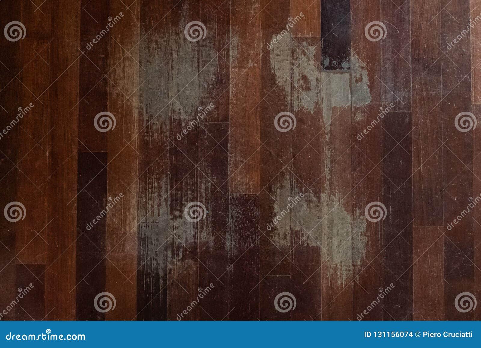 Vecchia Pavimentazione Graffiata Del Legno Duro Necessitante