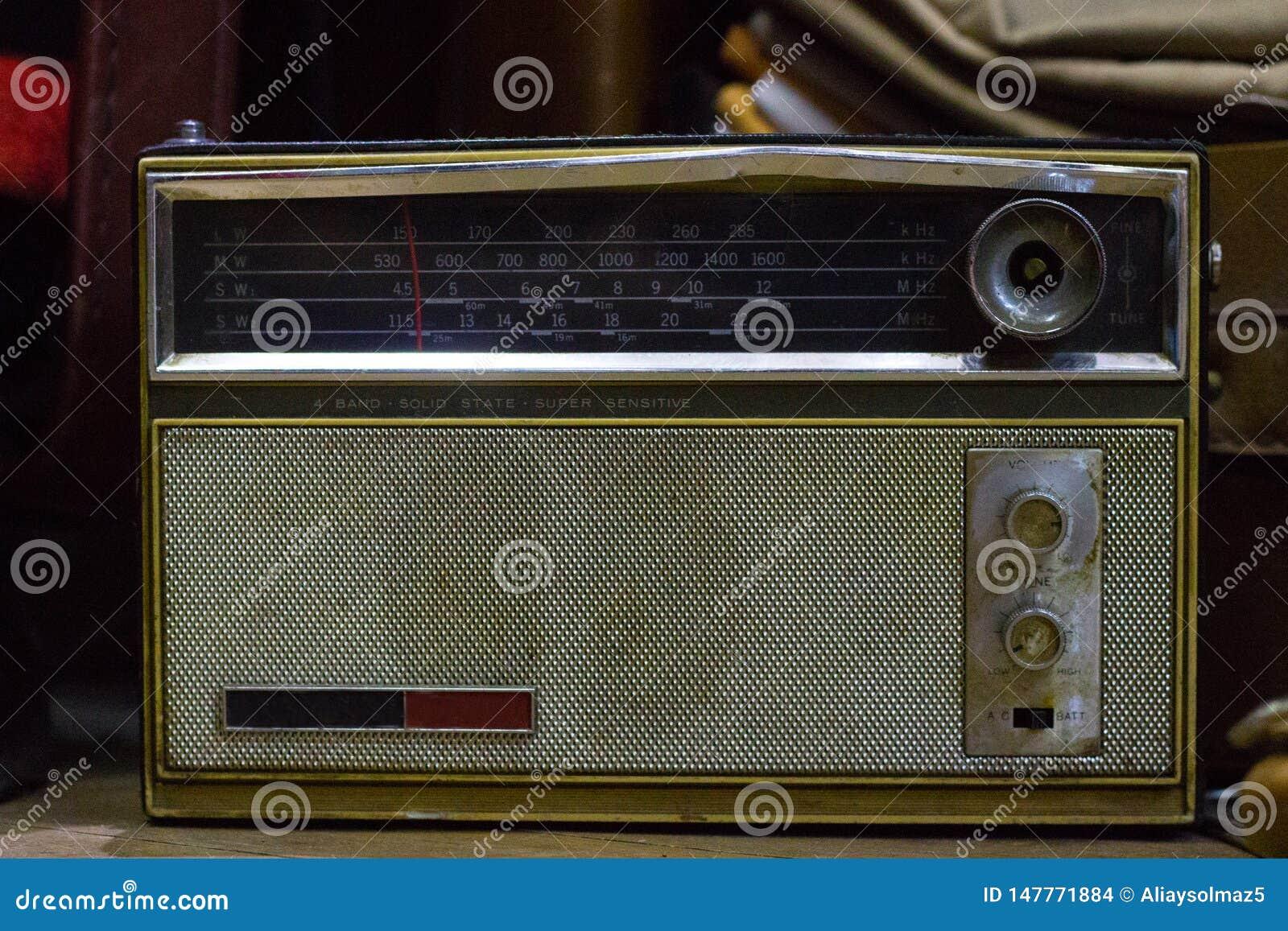 Vecchia radio d annata classica, collezioni antiche