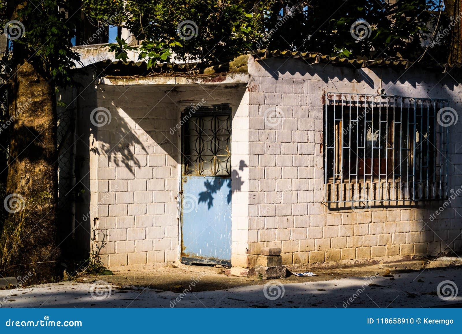 Vecchia una costruzione desolata di storia - Turchia