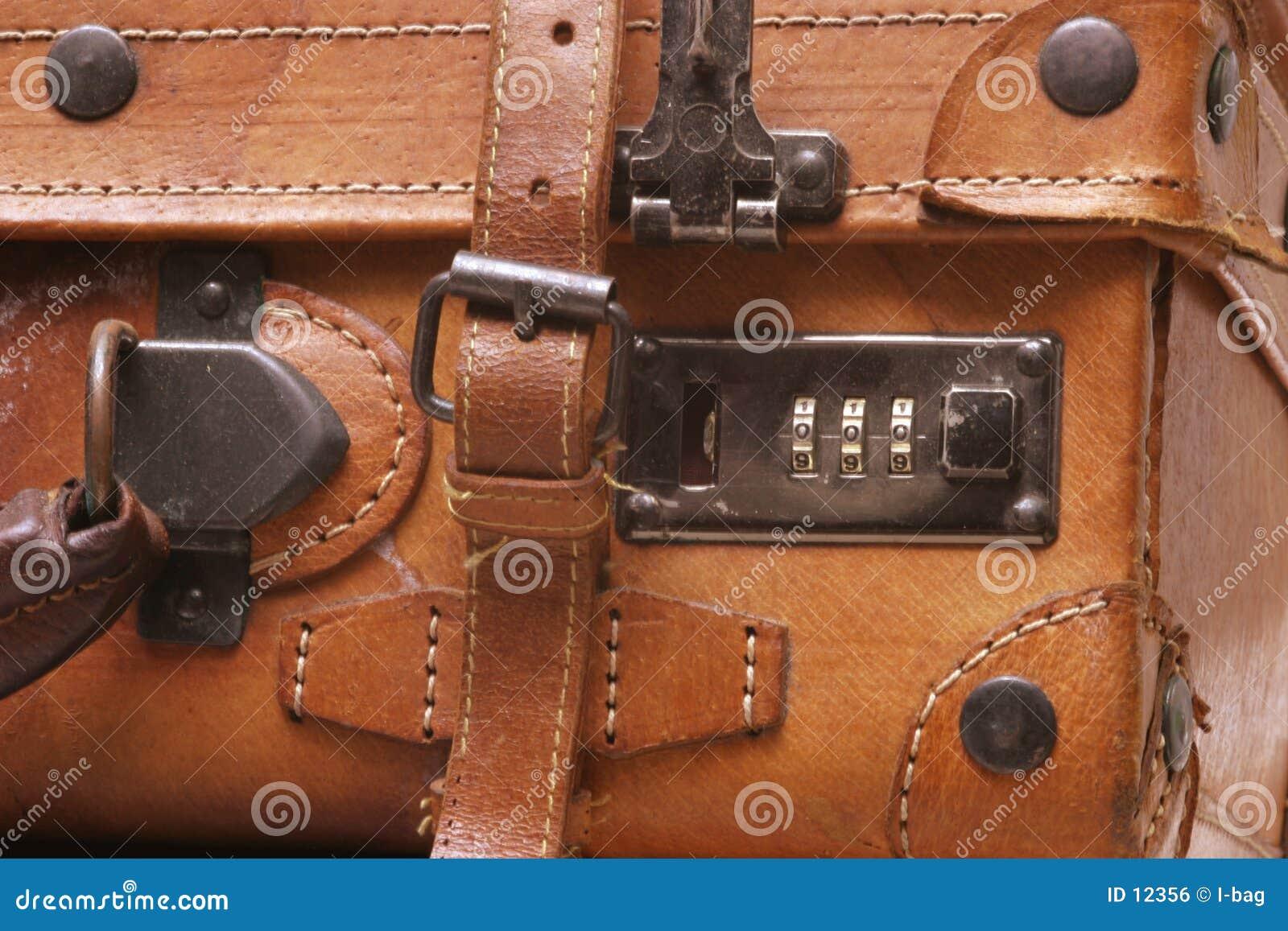 Vecchia valigia di cuoio