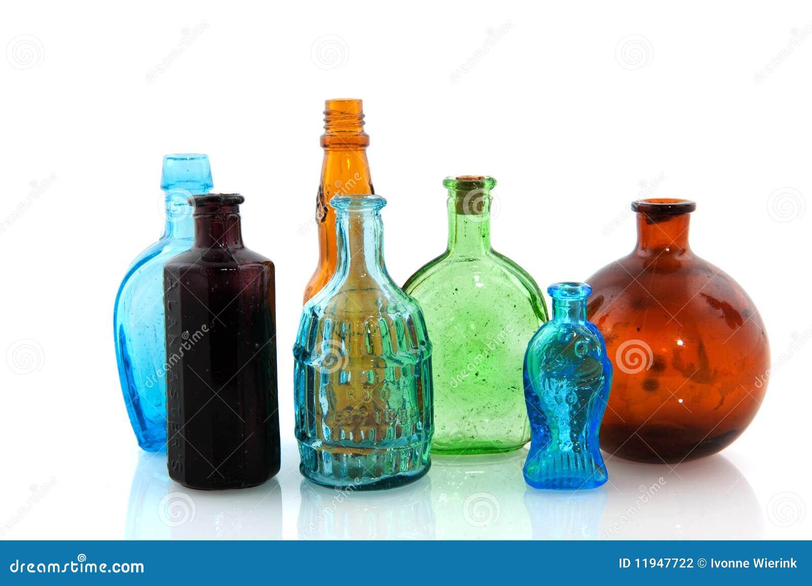 Vecchie bottiglie di vetro fotografia stock immagine - Bottiglie vetro decorate ...