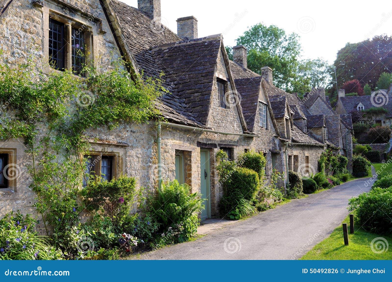 Vecchie case in campagna inglese di cotswolds fotografia for Cottage di campagna francesi