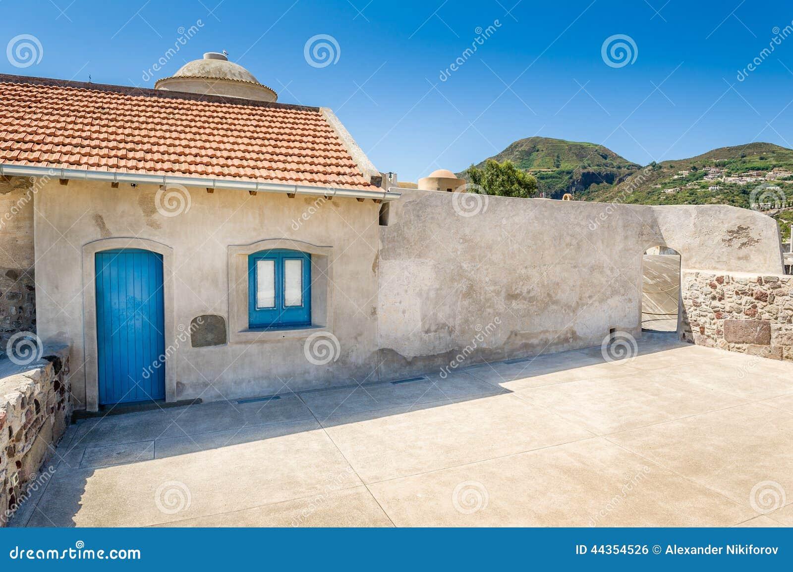 Vecchie costruzioni della città di Lipari