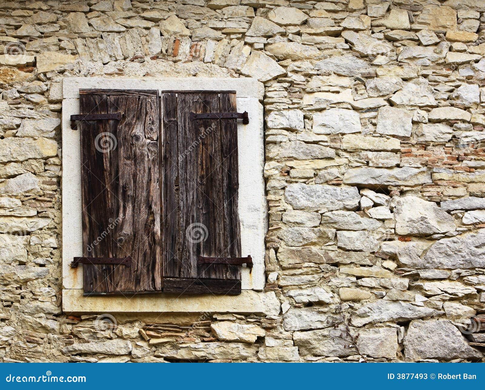 Vecchie finestre immagine stock immagine di grunge crepa for Finestra immagini