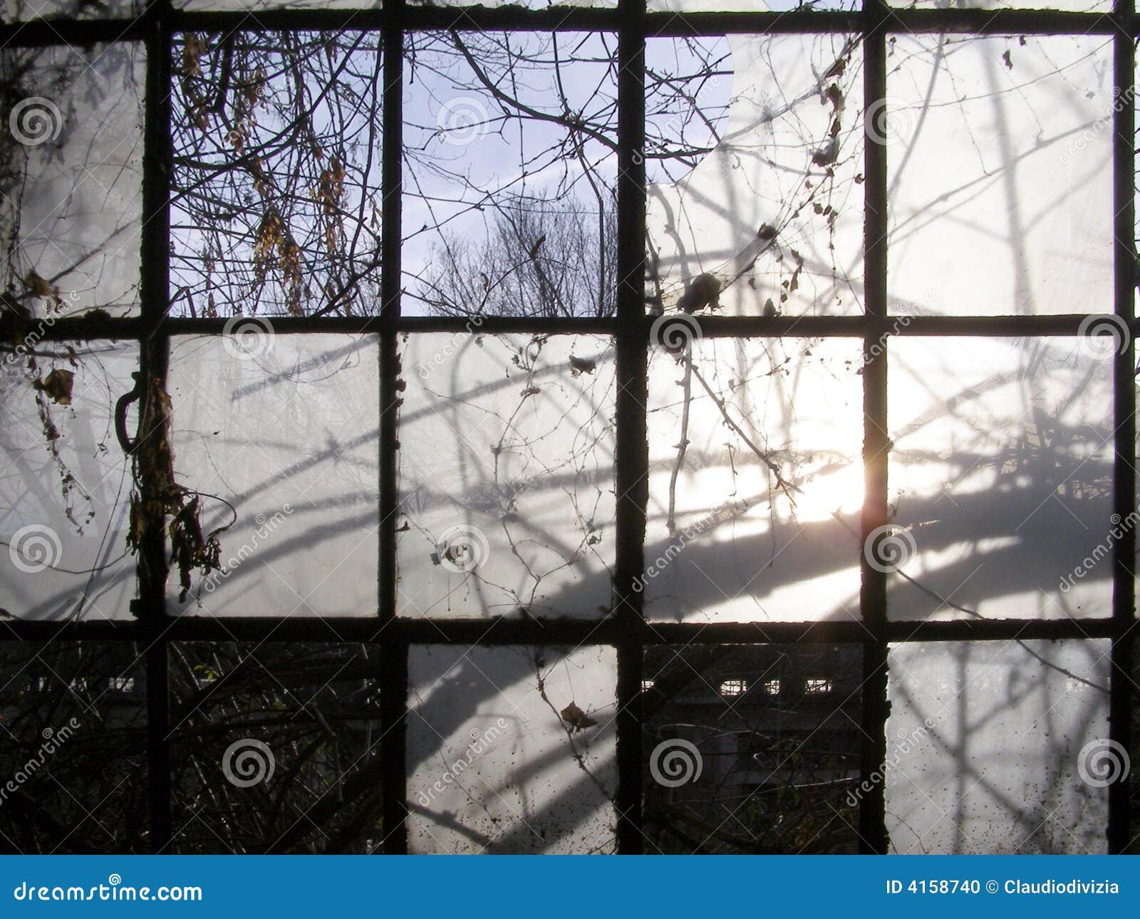 Vecchie finestre industriali fotografia stock immagine 4158740 - Guarnizioni finestre vecchie ...