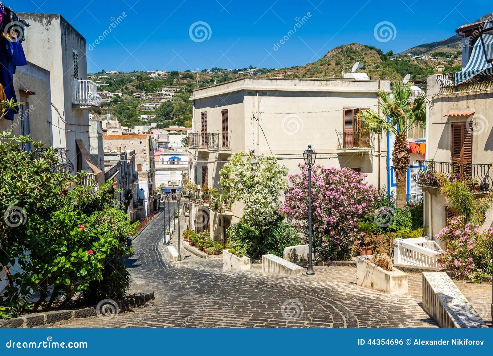 Vecchie vie della città di Lipari