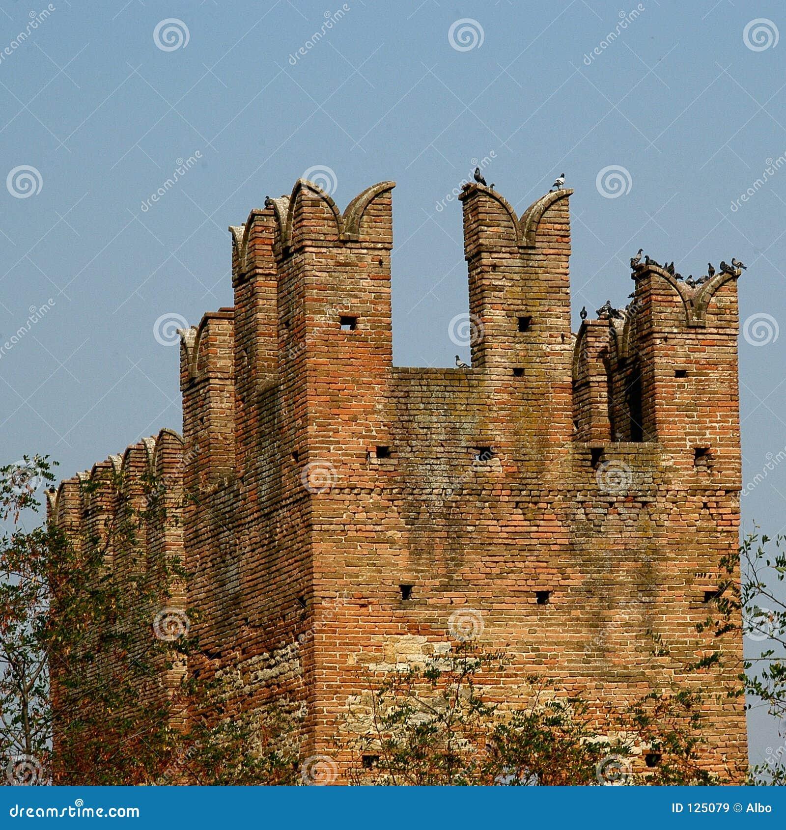 Vecchio castello italiano
