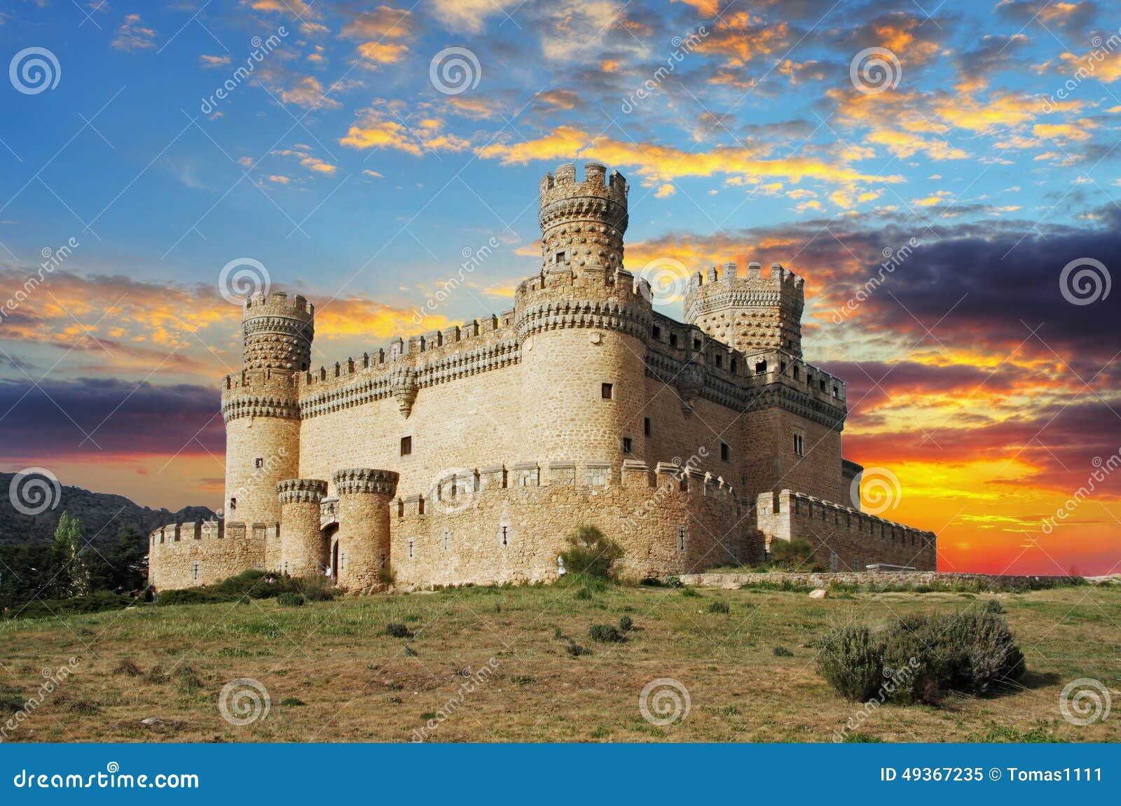 Vecchio castello in portata - Manzanarre