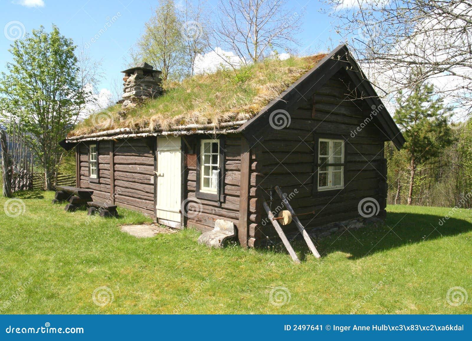 Vecchio cottage del legname