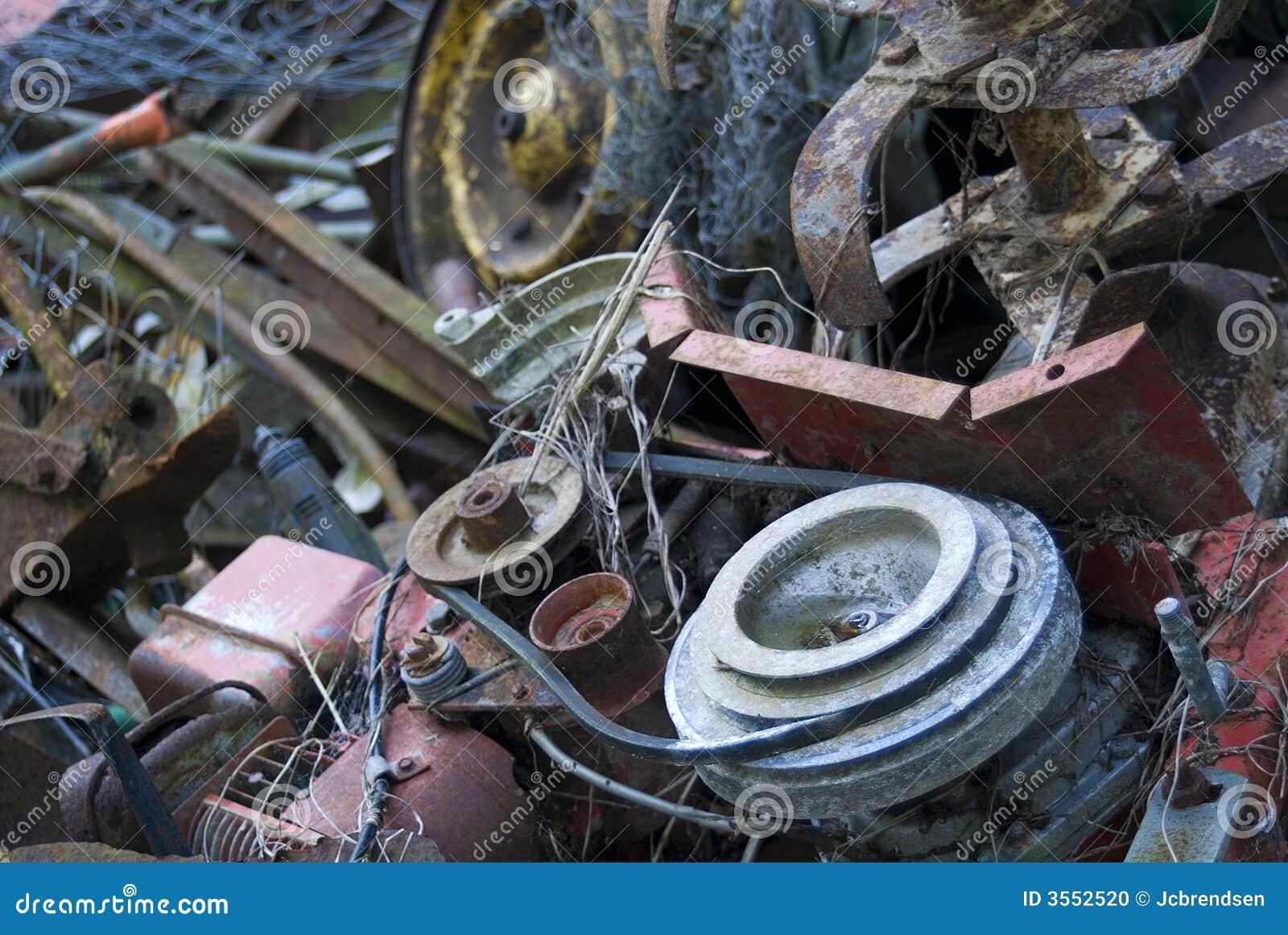 Vecchio ferro delle macerie
