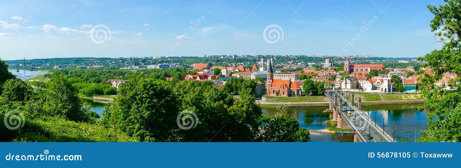 Vecchio paesaggio di tempo di giorno della città di Kaunas
