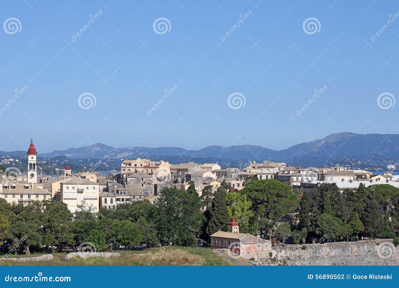 Vecchio paesaggio urbano della città di Corfù