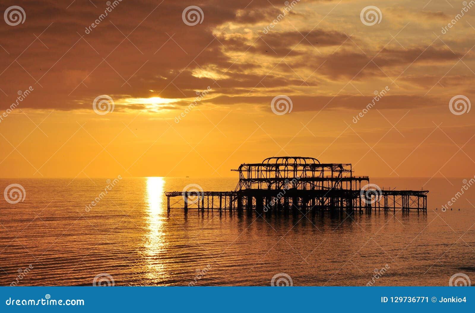 Vecchio pilastro ad ovest di Brighton, Regno Unito
