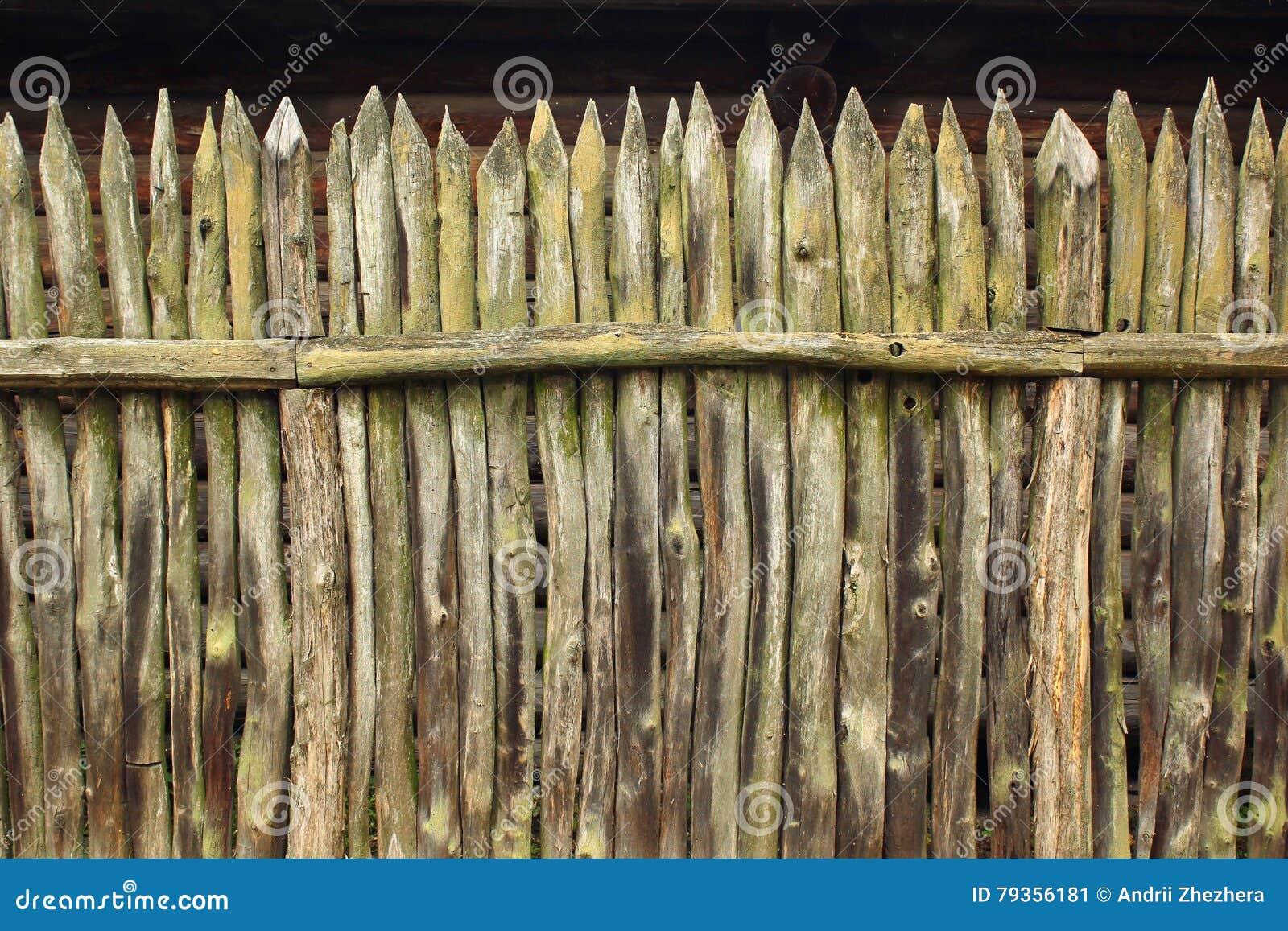 Vecchio recinto di legno della palizzata fotografia stock for Recinto in legno