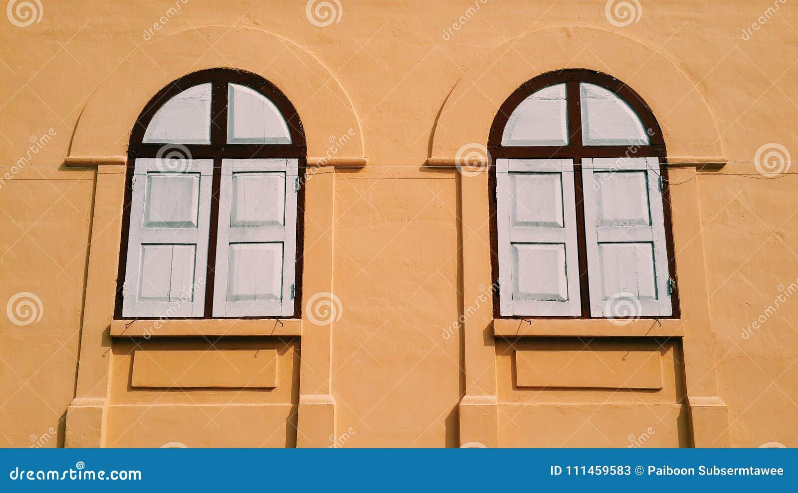 Vecchio stile delle finestre
