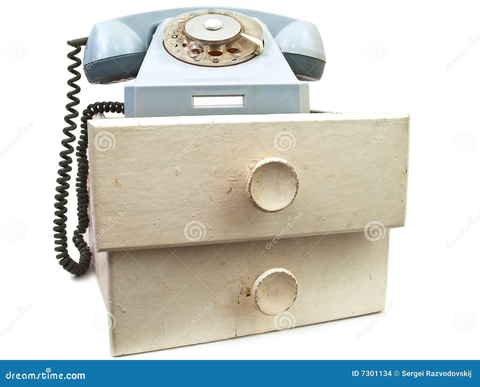 Vecchio telefono ai cassetti