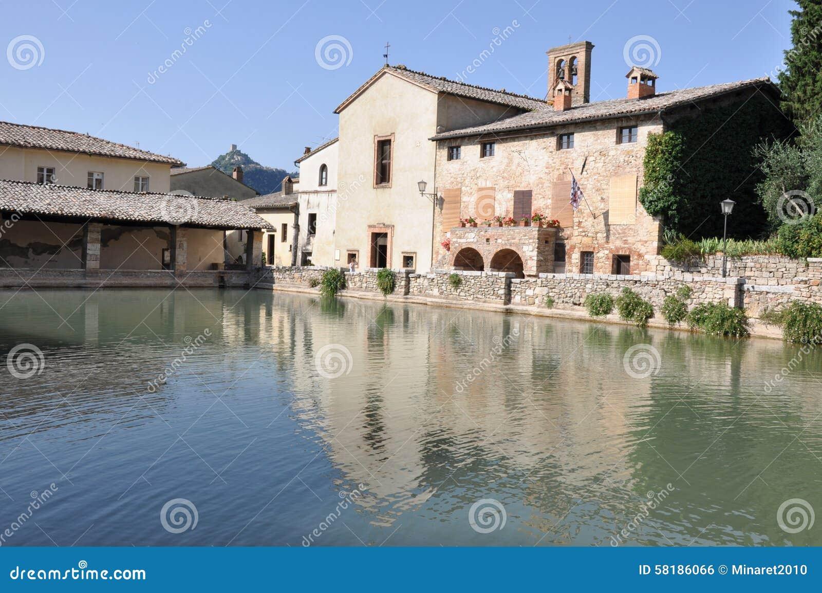 Vecchio Terme In Bagno Vignoni Toscana Fotografia Stock - Immagine ...