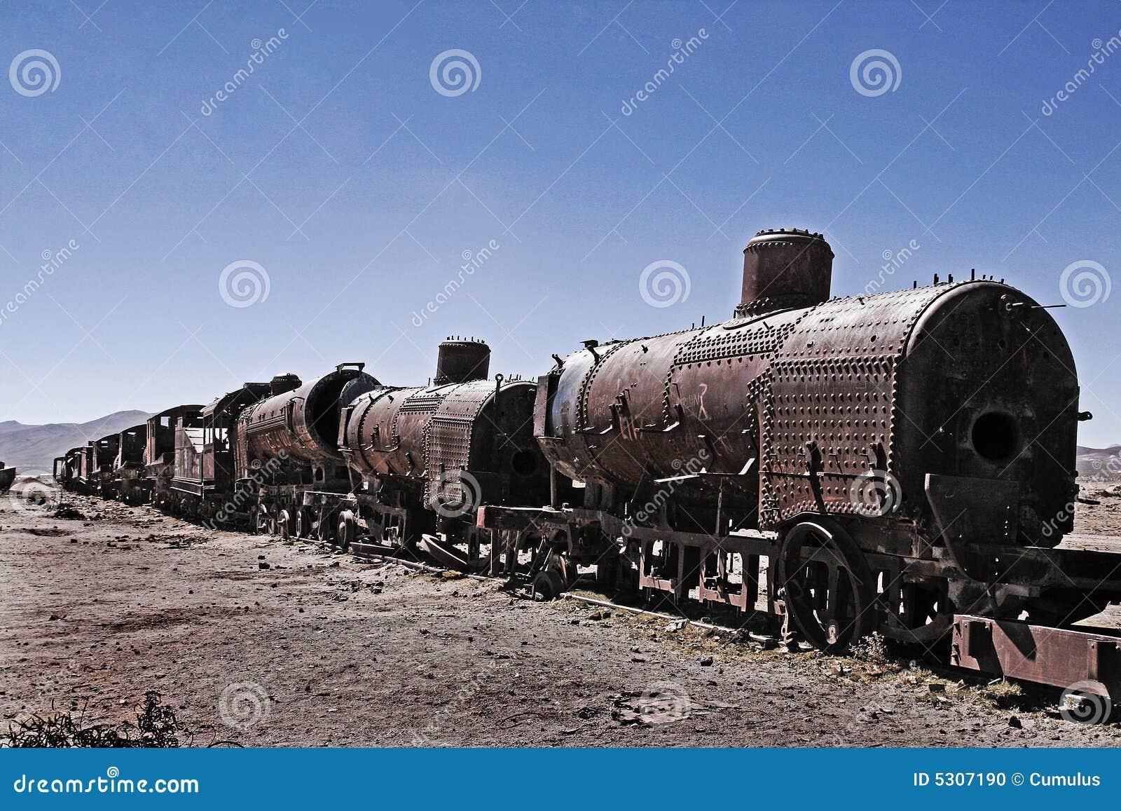 Download Vecchio treno arrugginito fotografia stock. Immagine di scartato - 5307190