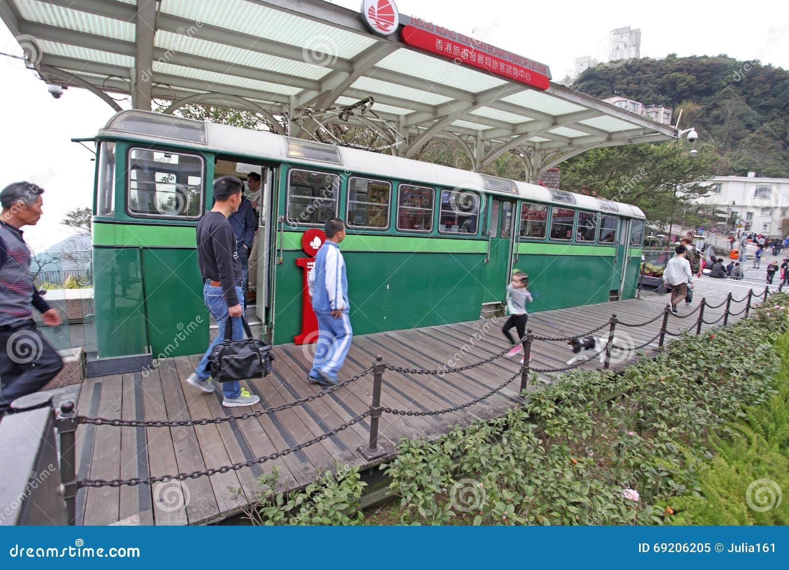 Vecchio treno di punta sul punto di riferimento di Victoria Peak, Hong Kong